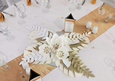 papir_virag_foto_fal_eskuvoi_dekoracio_rendezveny_dekoracio_asztali_dekoracio_arany_dekor