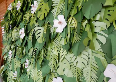 papir_virag_foto_fal_eskuvoi_dekoracio_rendezveny_dekoracio_greenery