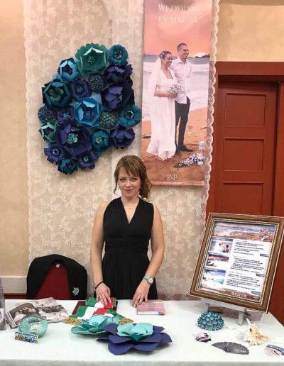20180502-papirvirag_papir_virag_hatter-dekoracio_stand_dekoracio_kiallitoi__stand_dekoracio_vintage_wedding_planner_eskuvo_maltan_kiallitoi_standdekoracio_eskuvo_kiallitas_.