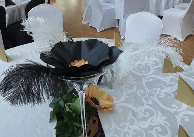 20181231-viragfal_papir_virag_foto_fal_eskuvoi_dekoracio_rendezveny_dekoracio_papir_virag_fal_foto_sarok_viragfal_ceges_party_szilveszter_balna_Balna_terasz_fekete_arany_ezust.